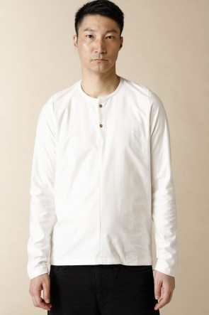 individual sentiments17-18AWUNISEX WOVEN HENRY NECK LONG SLEEVE T-SHIRT White
