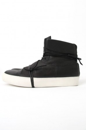 IS by individual sentimentsClassicIS_S31_IN_CAV5 - Black-White Sole